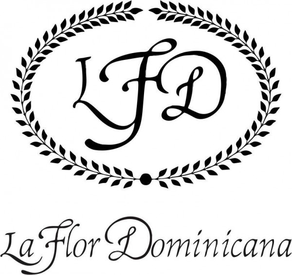La Flor Dominicana Churchill